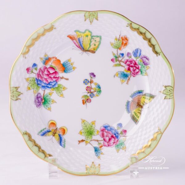 DessertPlate 517-0-00 VBO Queen Victoria design. Herend fine chinahand painted