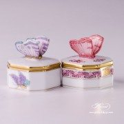6105-0-17-AP2 bonbonniere Herend Porcelain with butterfly
