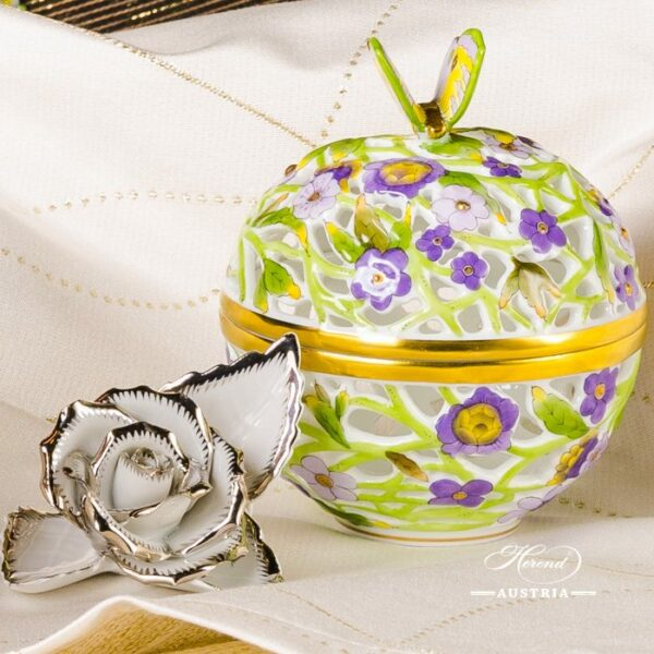 Bonbonniere / Candy Jar w. Butterfly Knob 6214-0-17Lilac - Yellow - Green C4 pattern. Herend fine china and hand painted. Openwork Ornaments