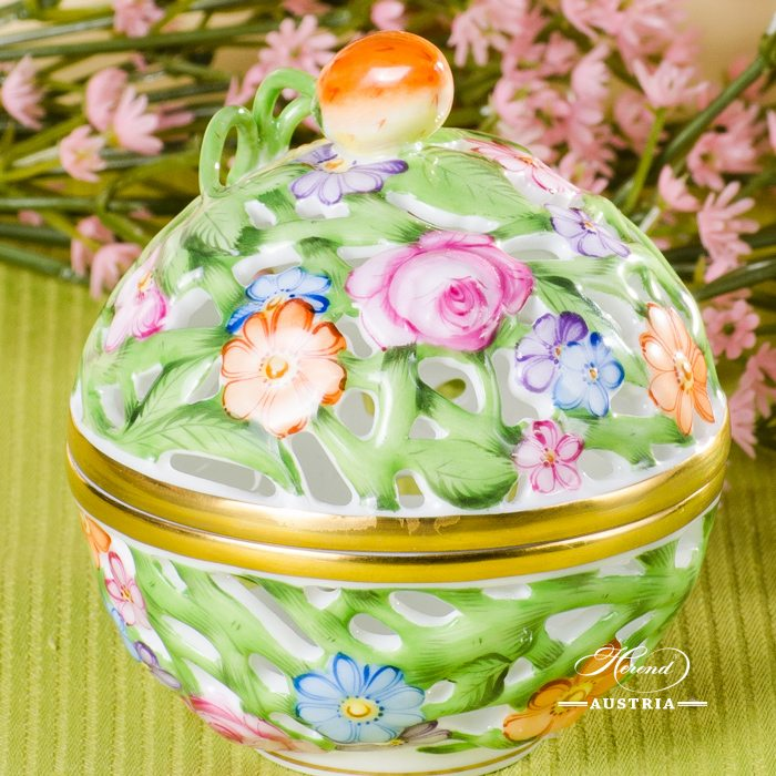 Bonbonniere / Candy Jar w. Strawberry Knob 6215-0-11  Multicolour C pattern. Herend fine china and hand painted. Openwork Ornaments