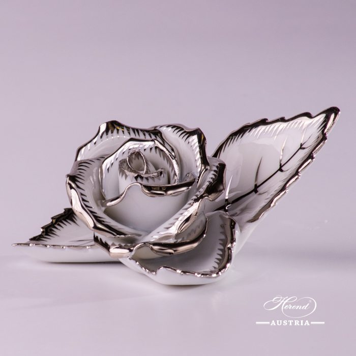 Rose on Leaf - 2 pieces - Platinum