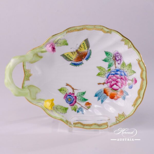 Ice Shell 207-0-00 VBA Queen Victoria design. Herend porcelainhand painted. Tableware