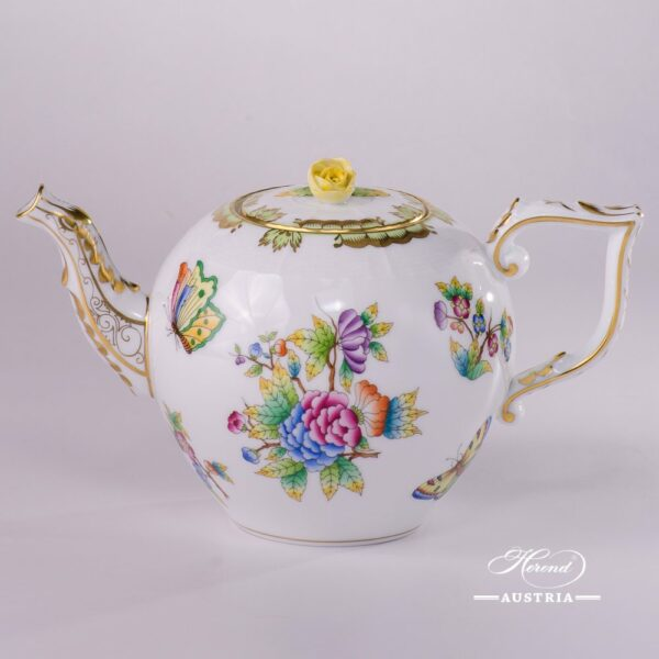 Tea Pot with Rose Knob 606-0-09 VBO Queen Victoria decor. Herend porcelainhand painted