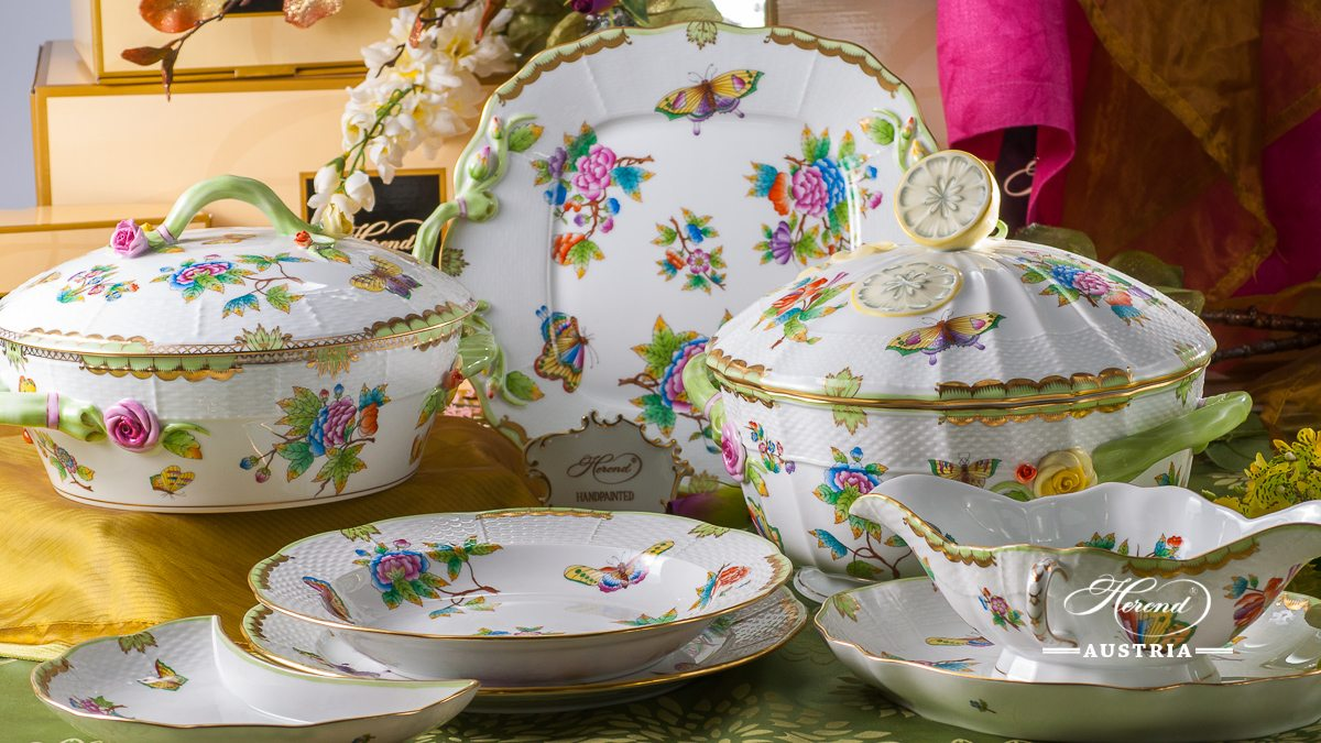 Dinner Set for 4 Persons - Herend Queen Victoria VBO decor. Herend porcelain hand painted. Tableware. Royal Family design