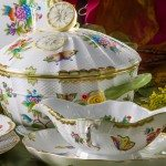 Dinner Set for 4 Persons - Herend Queen Victoria VBO decor. Herend porcelainhand painted. Tableware. Royal Family design