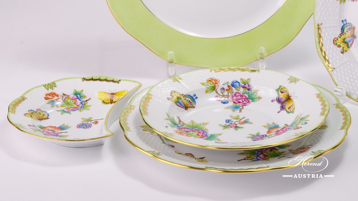 Place Setting 5 Pieces - Herend Queen Victoria VBO design. Herend porcelain hand painted. Tableware