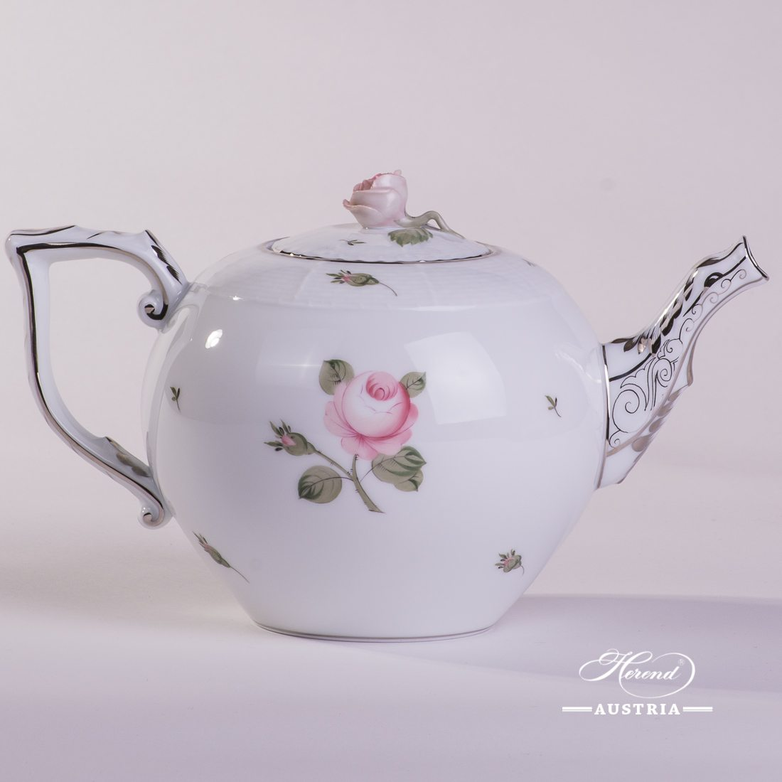 Tea Pot w. Rose Knob 605-0-09 VGR-PT Vienna Rose Grand w. Platinum pattern. Herend fine china. Hand painted tableware