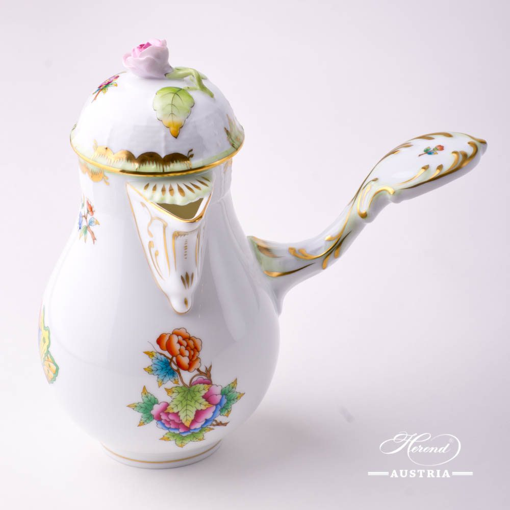Coffee Pot with Rose Knob 634-0-09 VBO Queen Victoria decor. Herend porcelain hand painted