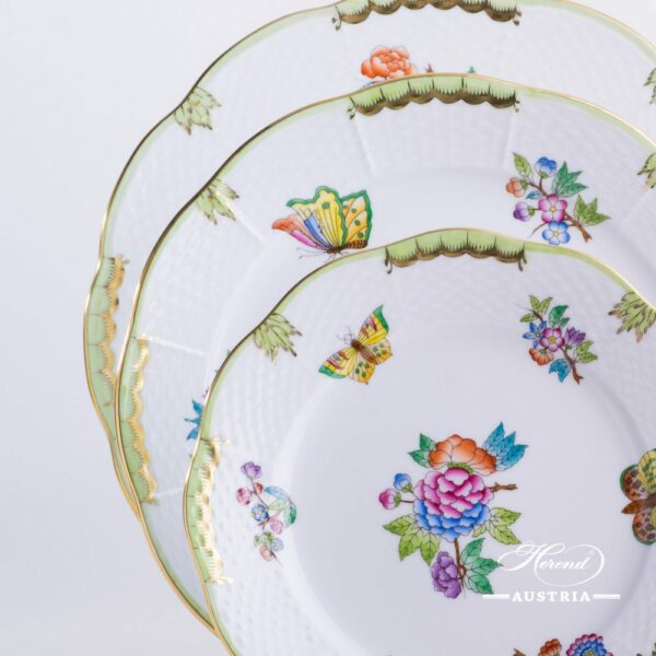 Place Setting 4 Pieces - Herend Queen Victoria VBA design. Herend porcelain hand painted. Tableware