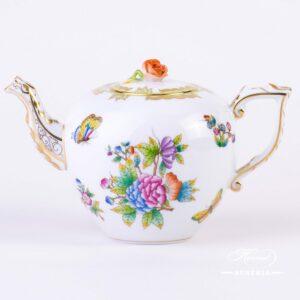 Queen Victoria - Tea Pot w. Rose Knob