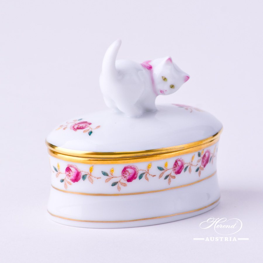 Bonbonniere / Candy Jar w. Cat Knob 6114-0-26 RGS Rose Garland pattern. Herend fine china and hand painted. Oval shaped Ornaments