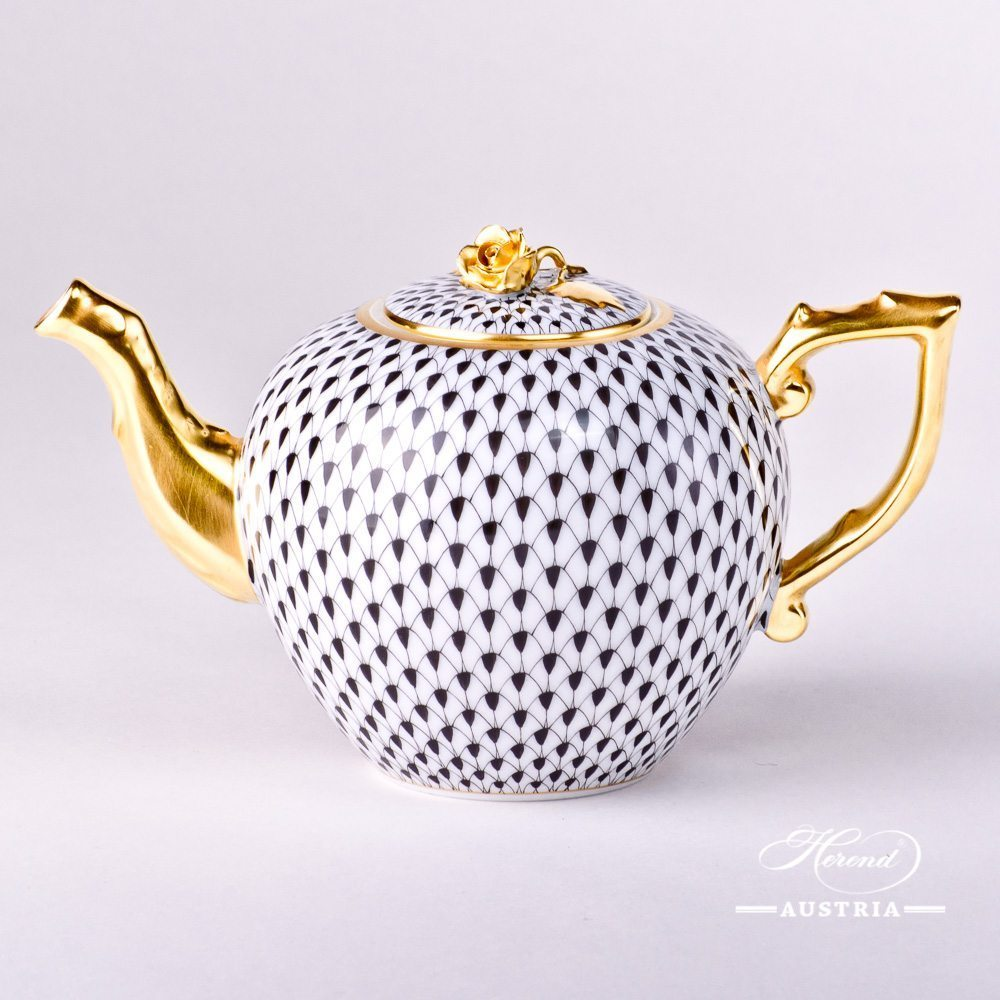 Tea Pot w. Rose Knob 20607-0-09 VHN Black Fish Scale design. Herend fine china. Hand painted tableware