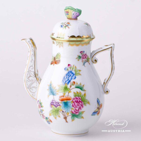 CoffeePotwith Butterfly Knob 612-0-17 VBO Queen Victoria decor. Herend porcelainhand painted