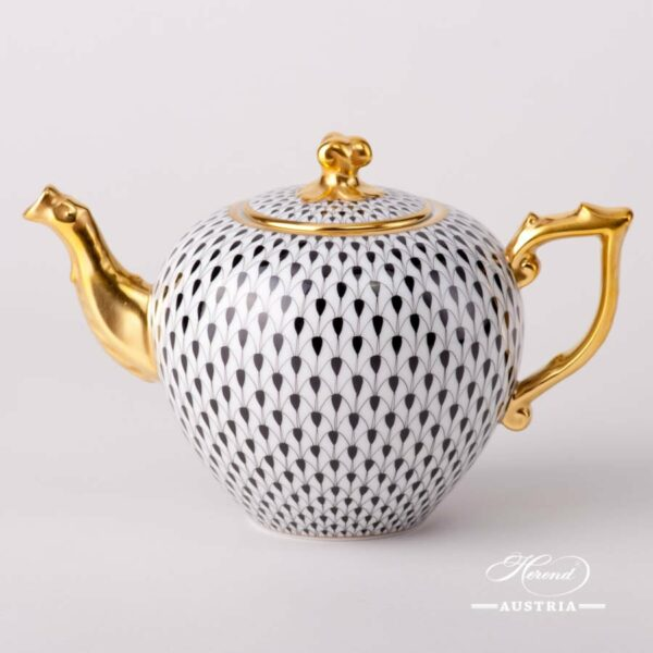 Tea Pot w. Twisted Knob 20606-0-06 VHN Black Fish Scale design. Herend porcelain. Hand painted tableware