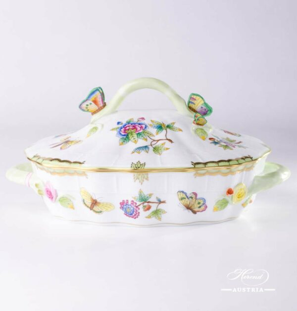 Vegetable / Ragout Dish 52-0-17 VBO Queen Victoria pattern. Royal Family design. Herend fine china hand painted. Tableware