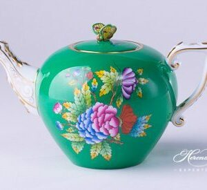 Tea Pot - Miniature - Queen Victoria on Green Background