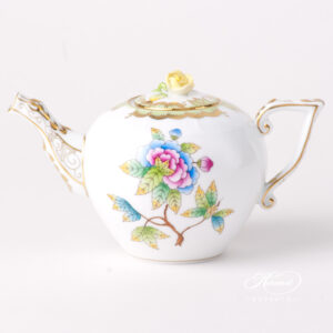 Tea Pot - Miniature - Queen Victoria VBO